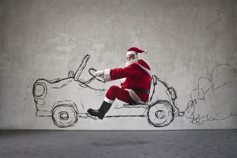 Santa Claus fährt ein gezeichnetesAuto