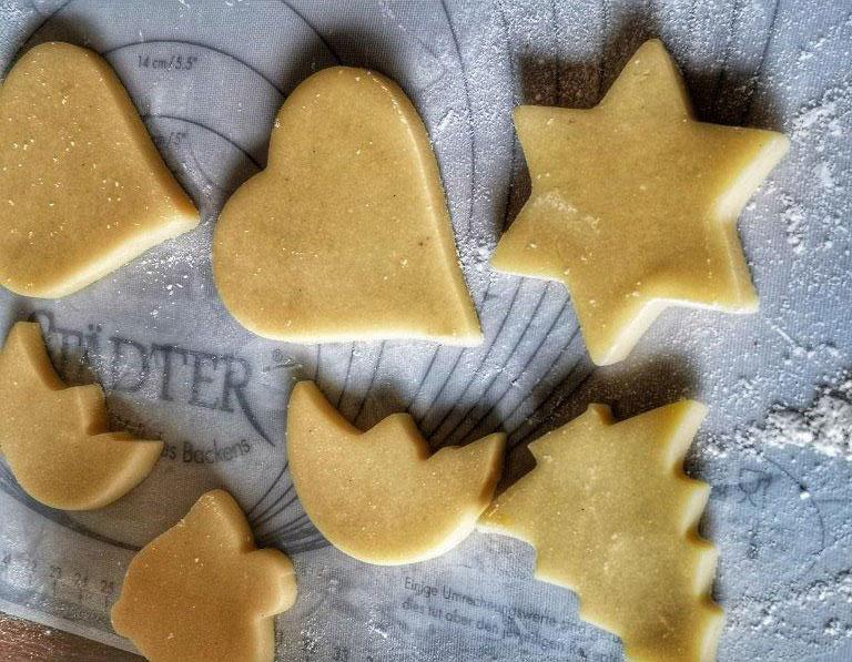 ButterPlaetzchen-ausgestochen